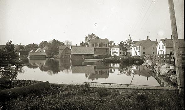 Belgrade Lakes Village